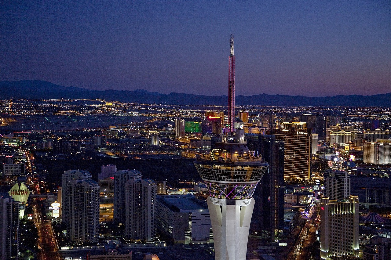 night picture of las vegas, the stratosphere and strip