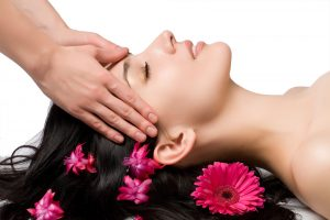Groupon spa gifts woman getting head massaged