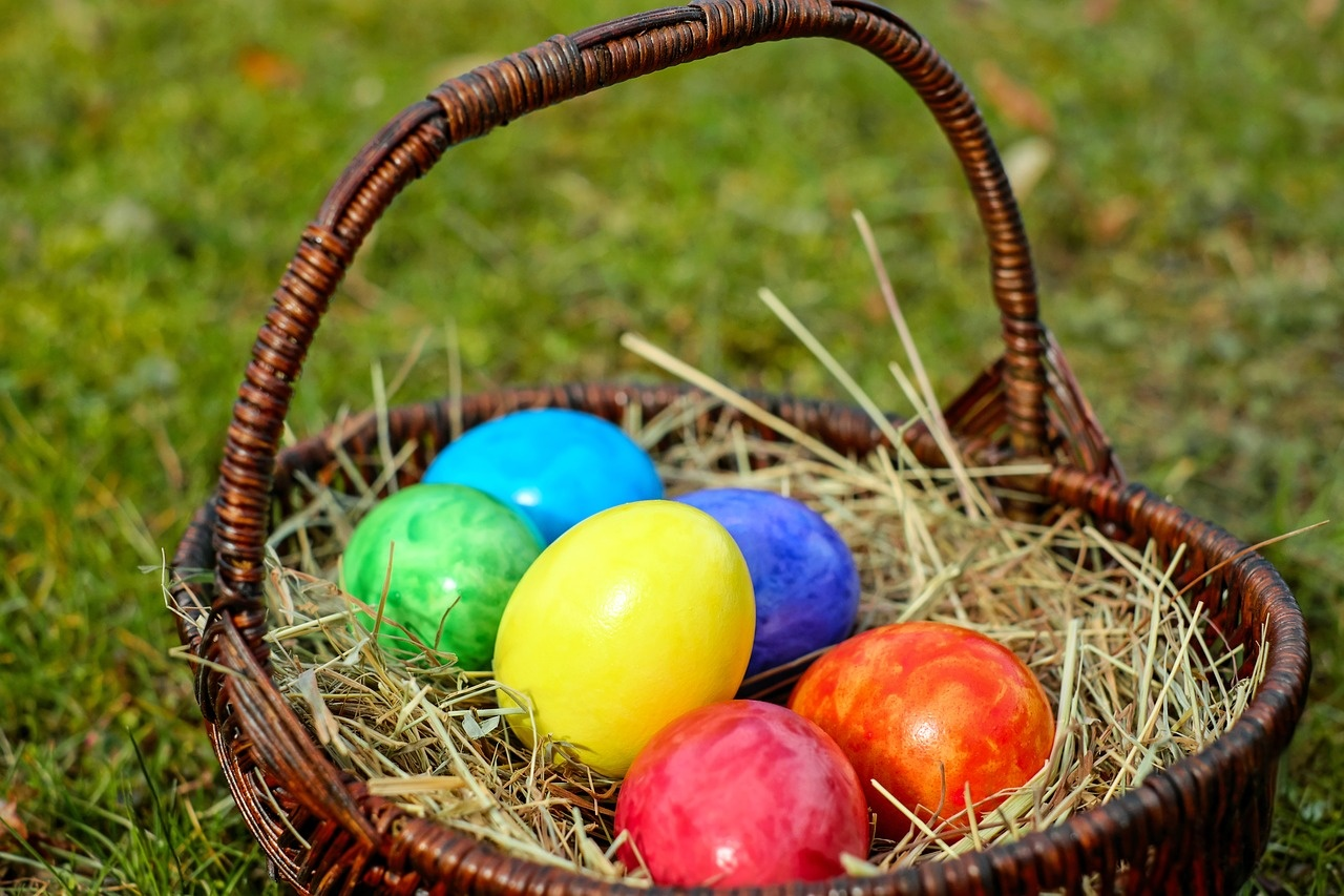 Easter events and egg hunts around vegas vegas living on the cheap easter is on the horizon and spring is nearly here check out all the egg citing fun that can be had around town this season for the whole family negle Gallery