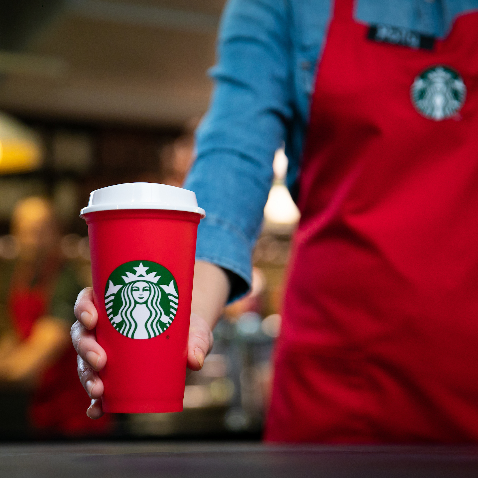 starbucks giving free coffee to front line responders