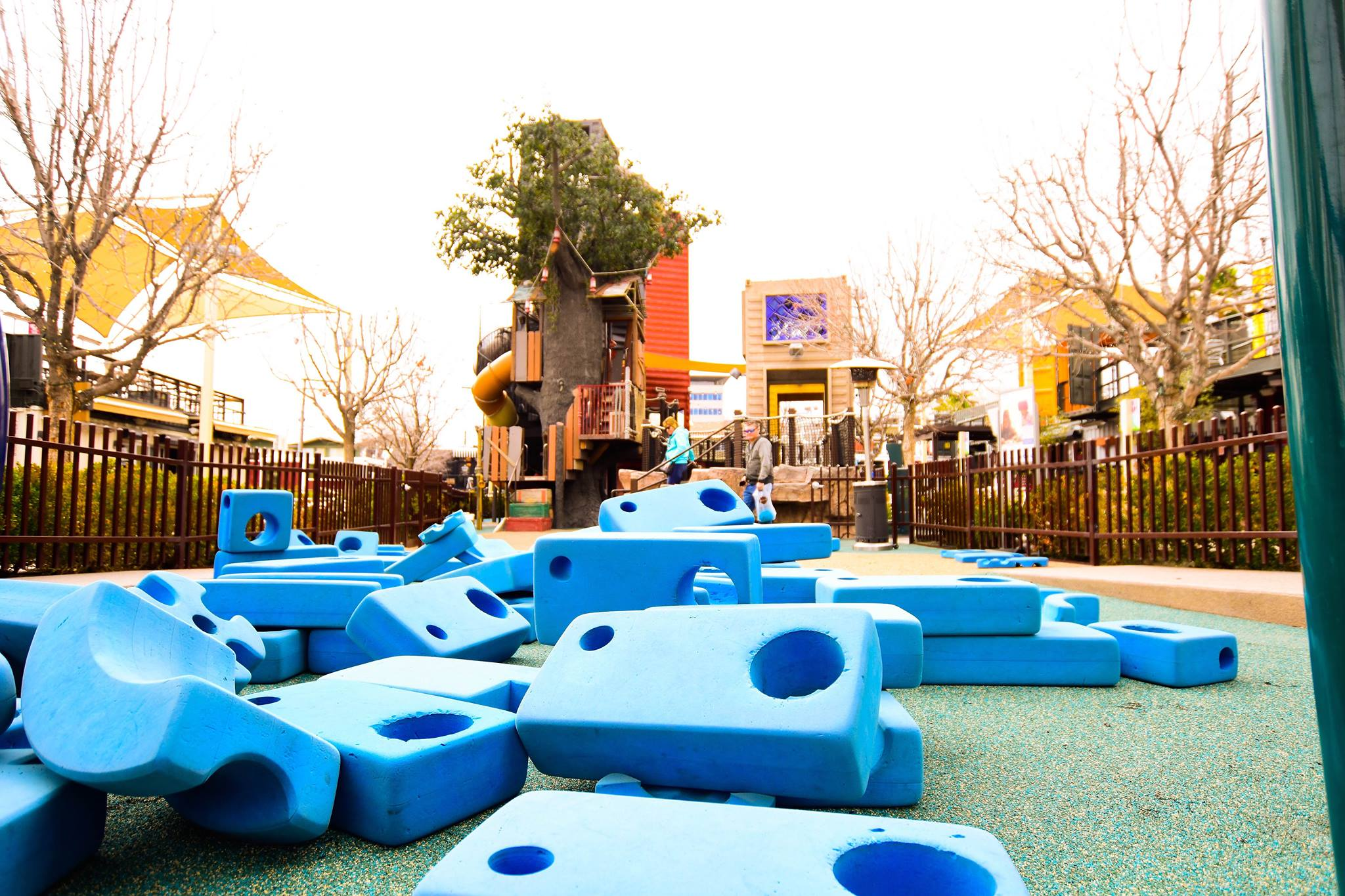 Treehouse and Playzone, Container park, best free and cheap kids, large foam blocks and kids climbing tree
