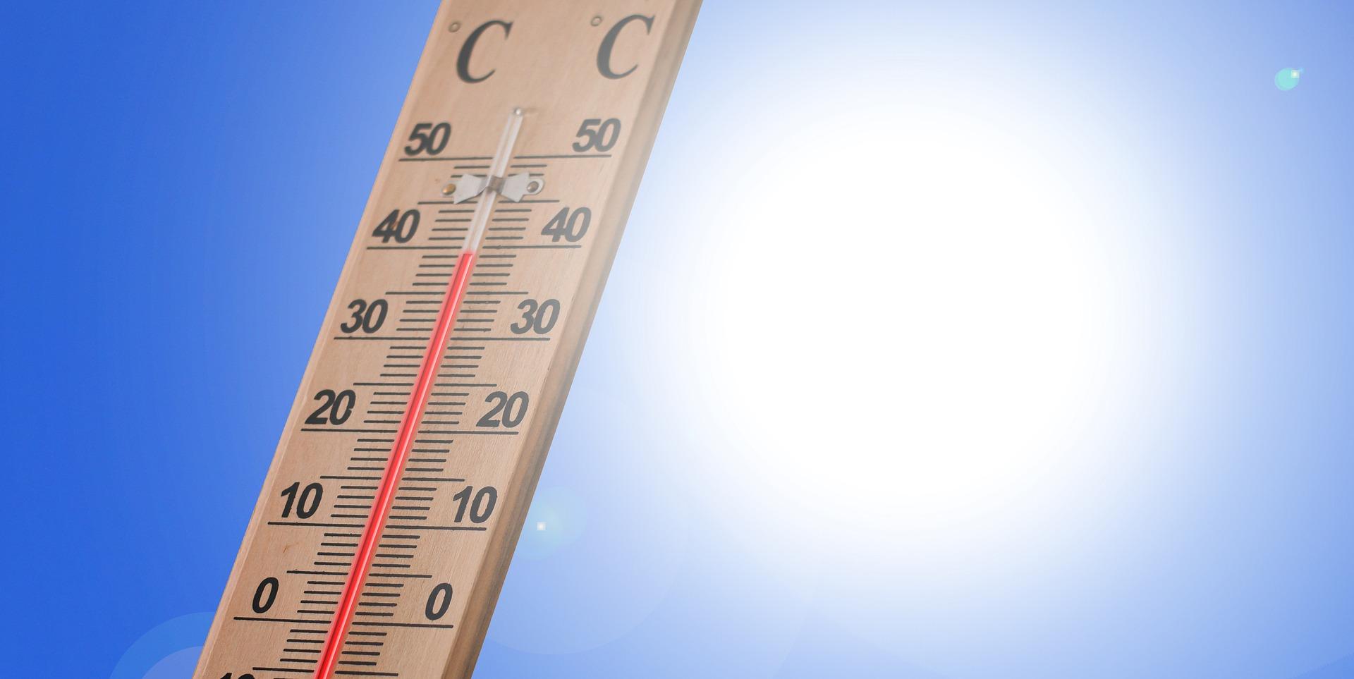 summer heat high temps las vegas cooling station